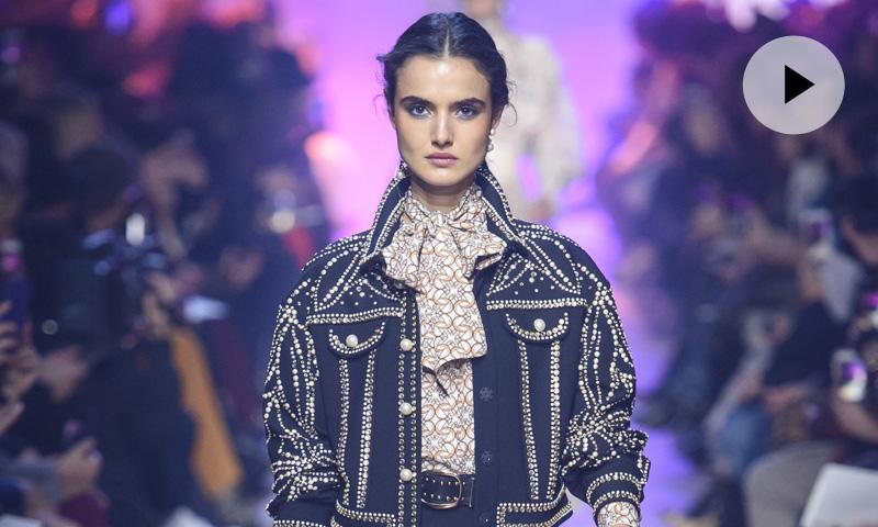 La tendencia 'grunge' llega a los vestidos de invitada de Elie Saab