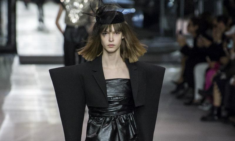 Hedi Slimane debuta para Céline y reinterpreta la estética del 'heroin chic'