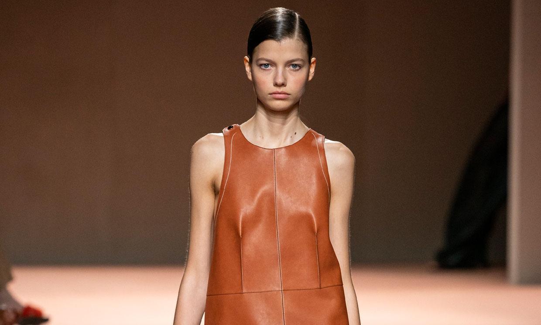 Visto en París: Hermès presenta cómo llevarás cuero la próxima primavera