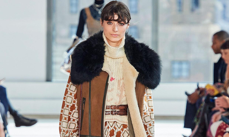 Longchamp nos traslada al París de los años 70 con diseños de ante y cuero