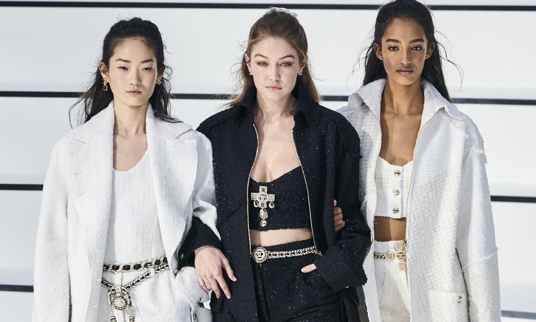 Chanel se desliga de Karl Lagerfeld con un 'romanticismo sin florituras'