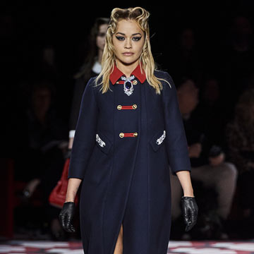 Rita Ora sigue los pasos de Miley Cyrus y debuta como modelo en Paris Fashion Week