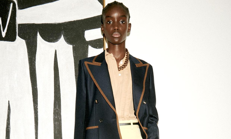 Victoria Beckham adelanta la moda de la próxima primavera: del nuevo sastre al 'animal print'