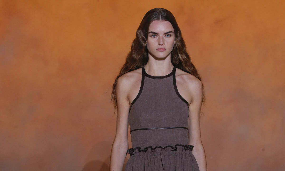 Hermès invita a soñar con la calidez del verano desde la más estricta y sofisticada comodidad