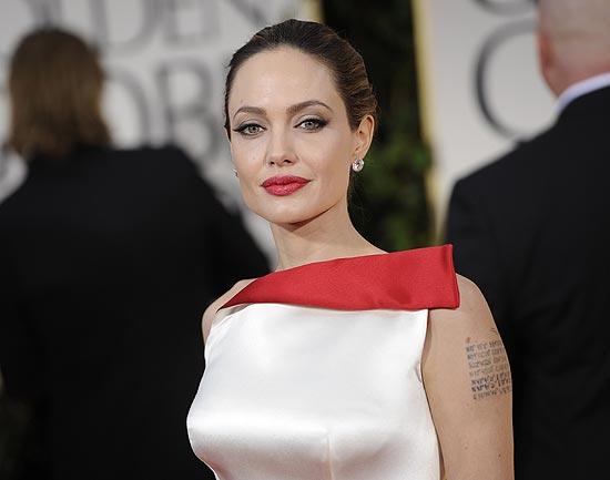 Angelina Jolie, la estrella más elegante de la alfombra roja de los Globo de Oro 2012