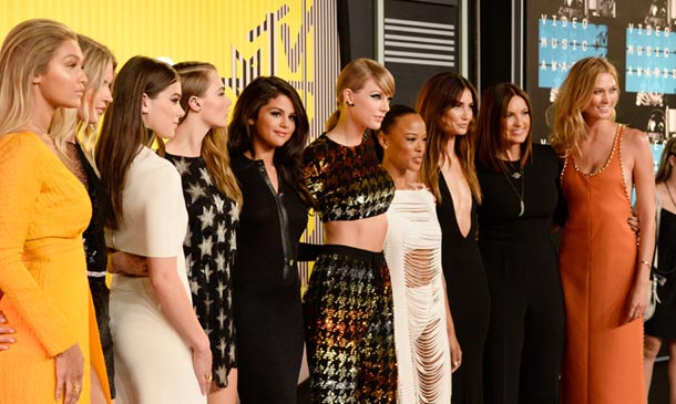 MTV Video Music Awards: Taylor Swift conquista la noche… ¡junto a sus amigas!