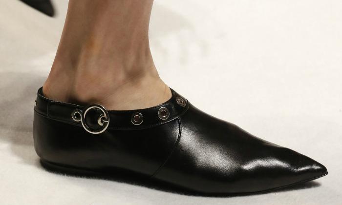 Las babuchas son los primeros zapatos-'it' de 2016