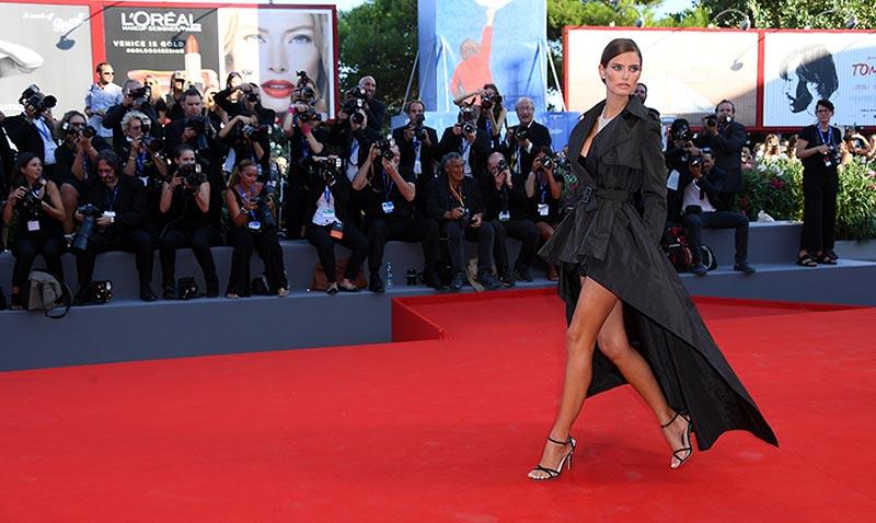 Abran paso al 'glamour', aquí llega la alfombra roja del Festival de Cine de Venecia