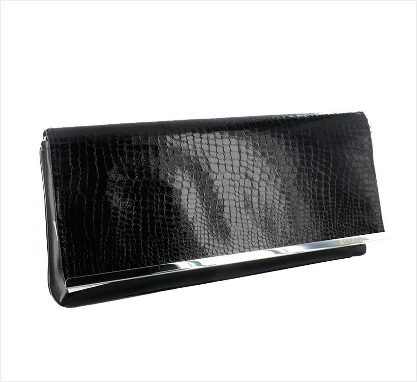 nuevo estilo 14bbc 735cd El eterno 'must have': 15 bolsos negros que no te pueden ...