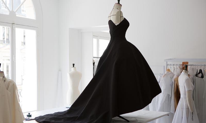 En exclusiva, entramos en el taller de Dior: sus diseños, paso a paso