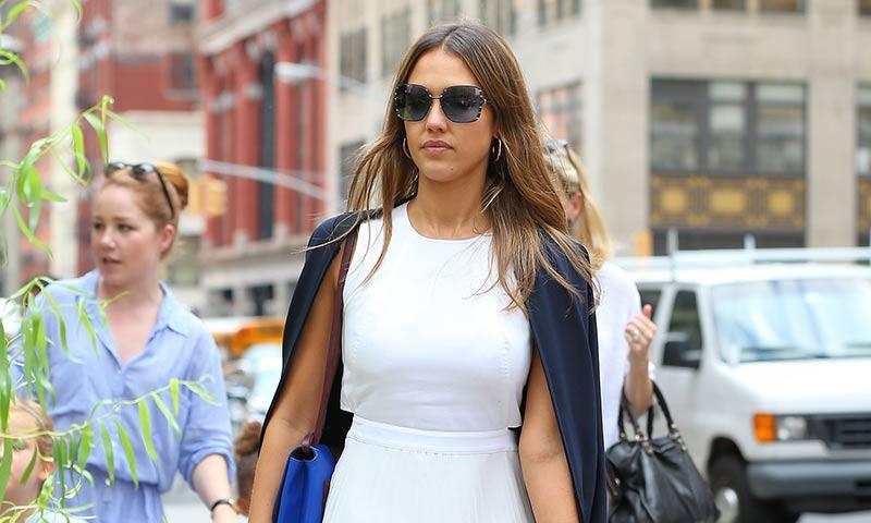 Los mejores 'looks street style' de Jessica Alba