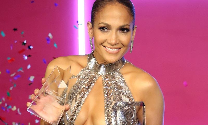 OMG! ¿Estás preparado para ver los vestidos de Jennifer Lopez en los premios Latin Billboard?