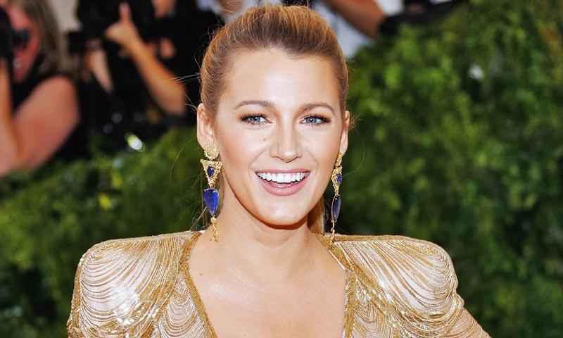 Blake Lively convence a los lectores de HOLA.com con su estilo Kardashian