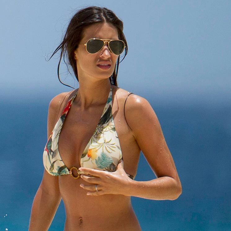 e495b771a58d Sara Carbonero: bañador vs. bikini