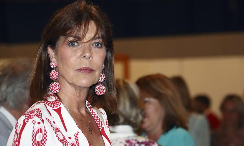 Carolina de Mónaco o cómo rejuvenecer con un inesperado look retro