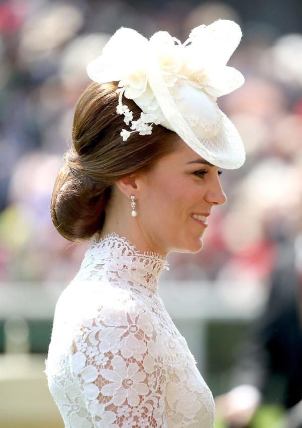 Royal ascot la gran cita de los tocados y sombreros m s for Mode aus england