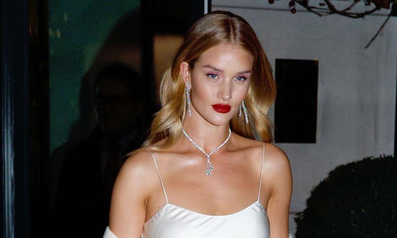 Rosie Hunthinton-Whiteley recupera uno de los estilismos más icónicos de Kate Moss
