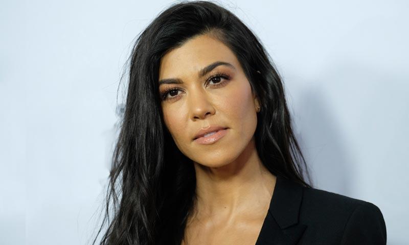Kourtney Kardashian lo predijo: el bikini-tanga conquistará a las supermodelos
