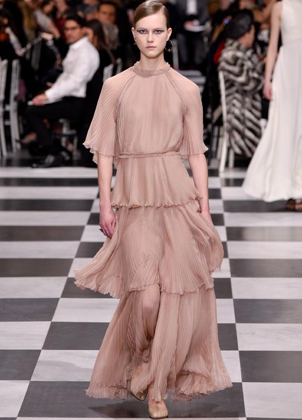 Bella Hadid sorprende con el vestido surrealista que jamás ...