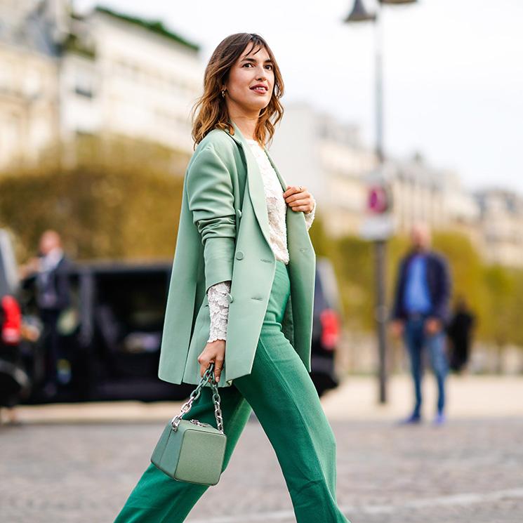 77518c2065 Moda 2018  el pantalón campana es la tendencia de la temporada - Foto