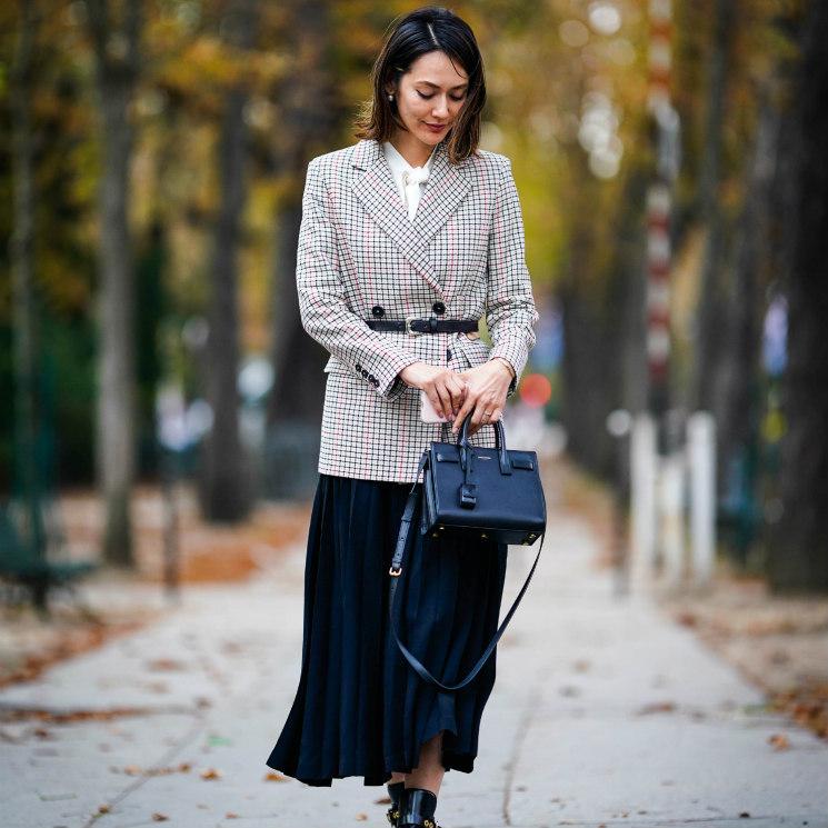 e2981512d Moda 2018: blazer y falda plisada, el nuevo look de trabajo - Foto