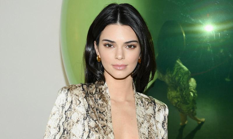 Kendall y sus amigas quieren que lleves los vestidos de fiesta muy cortos