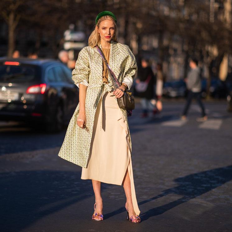 c77f9d58d Faldas de invitada que podrás reciclar en tus looks de oficina - Foto