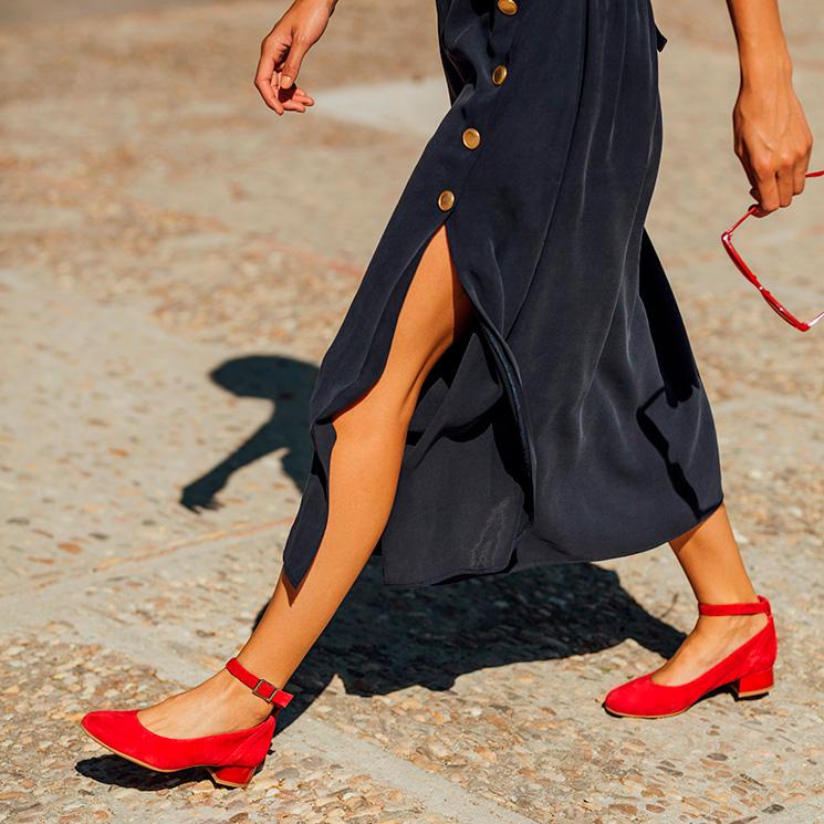 3a0ca783fb Cuando los zapatos cómodos fueron el mejor complemento de las invitadas
