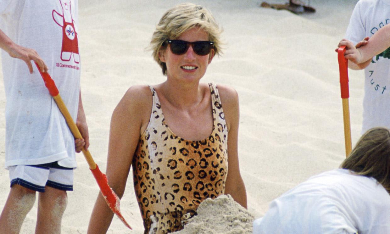 Marta Ortega y Elsa Pataky lo confirman: vuelve el bañador leopardo de Diana de Gales