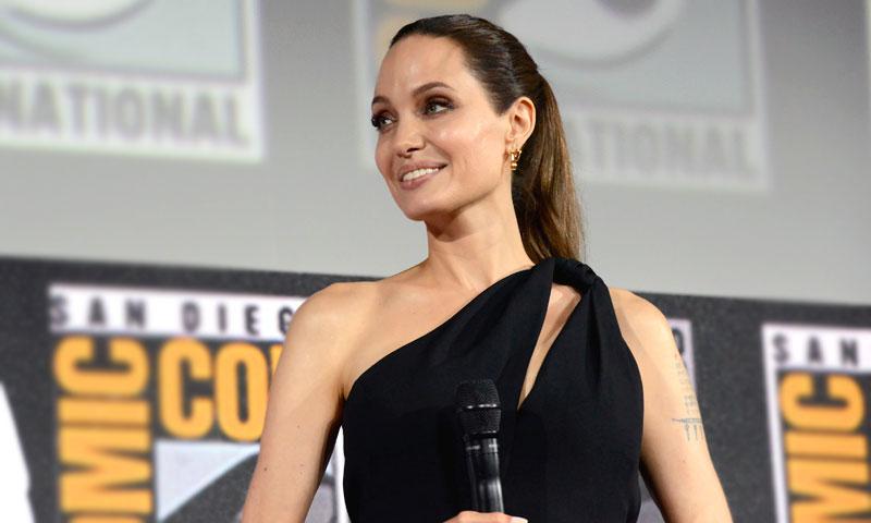 El 'efecto Meghan' seduce a Angelina Jolie en su debut como superheroína