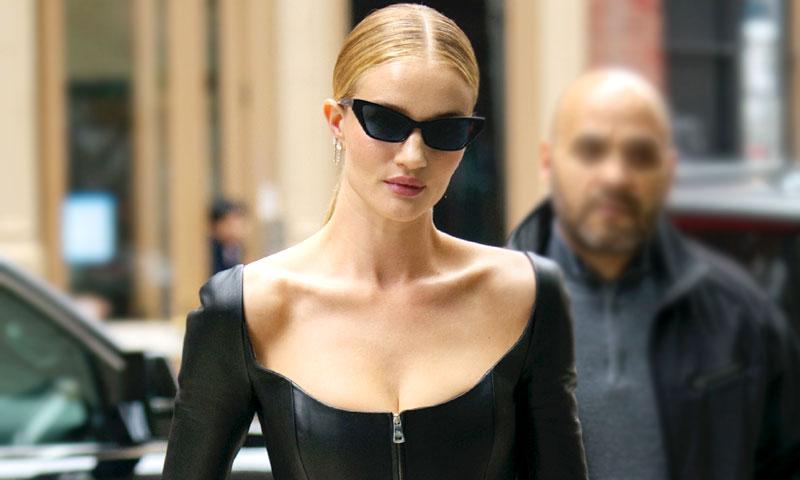 ¿Cuero en verano? Las supermodelos desafían al calor con el mismo traje