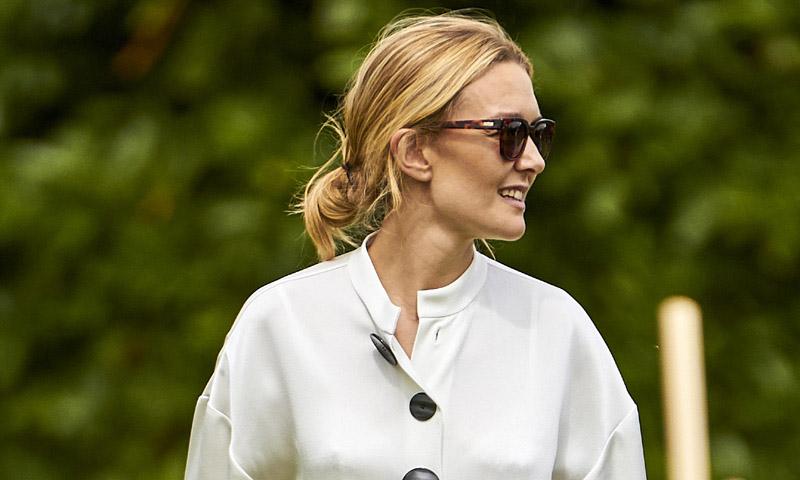 El vestido de flecos más exitoso de Marta Ortega vuelve a Zara este otoño por 40 euros