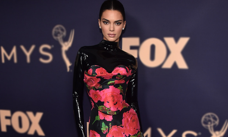Del duelo de estilo entre Kim Kardashian y Kendall Jenner a otros lookazos de los Premios Emmy