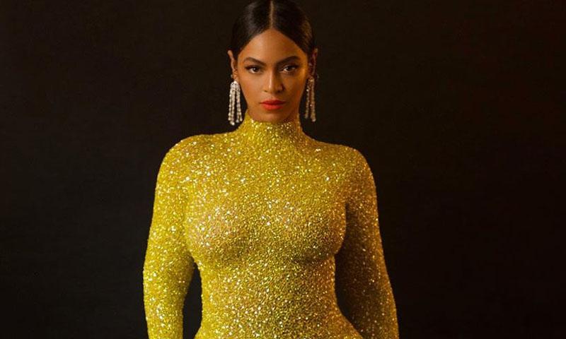 Beyoncé y los vestidos dorados, una historia de amor que dura 16 años