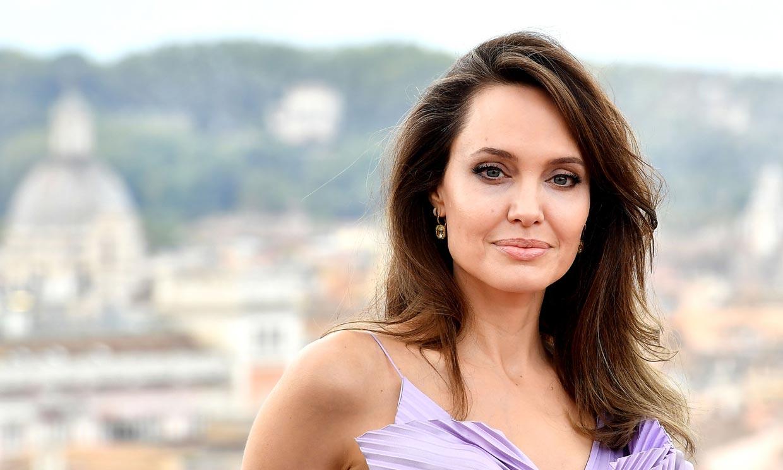El ingenio de Angelina Jolie para ser la mejor vestida con pantalón negro
