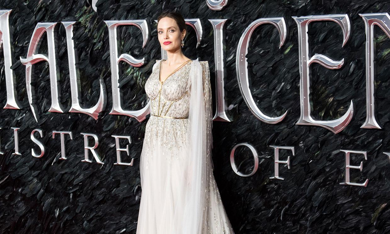 Angelina Jolie viste de novia a 'Maléfica' con la tendencia de gala que conquista a la realeza