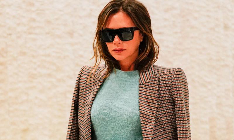 Victoria Beckham presenta la fórmula infalible para ir del aeropuerto a la oficina