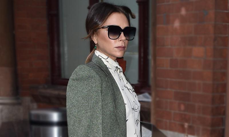 Increíble pero cierto: Victoria Beckham recicla prendas de su etapa como 'Spice' diez años después