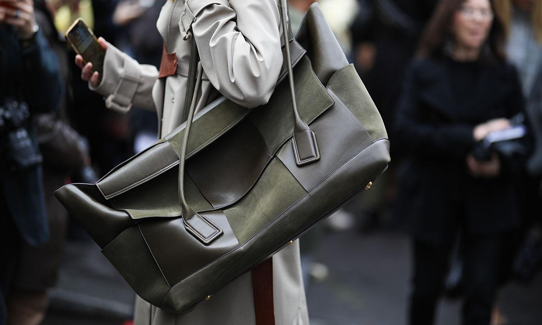 10 diseños perfectos para chicas que no pueden vivir sin bolsos grandes