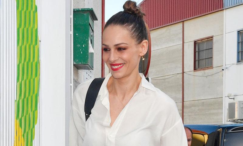 El look 'cowboy' de Eva González con el que se despide de las zapatillas