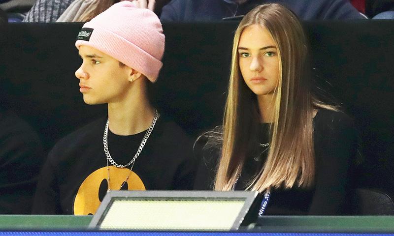Victoria Beckham aprueba el estilo Mia Moocher, novia de su hijo Romeo