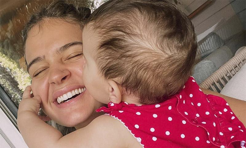 Tenemos la prueba de que Laura Escanes y la pequeña Roma ¡ya comparten armario!