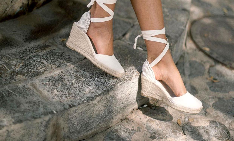 Las alpargatas con cuña, el calzado cómodo para parecer más alta