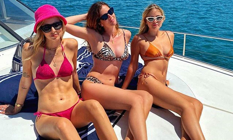 Bañadores y bikinis con los que conseguir cintura de avispa este verano