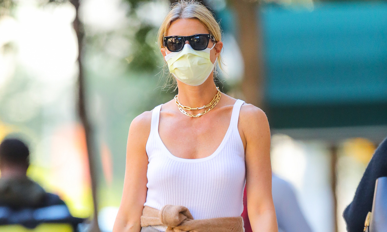 El giro de Gwyneth Paltrow a los pantalones de traje para presumir de cintura