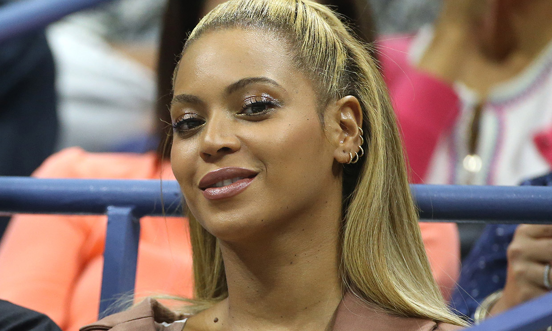 Beyoncé presume de curvas en su última sesión de fotos... ¡en bañador!