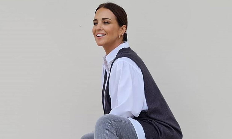 Paula Echevarría, una embarazada en vaqueros y los básicos de moda que nunca fallan