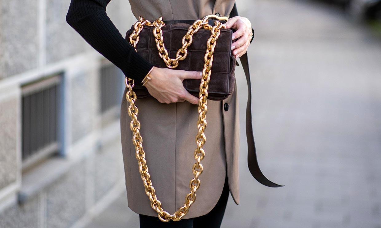 Bolsos con cadena, la mejor inversión para dar un giro a tus looks