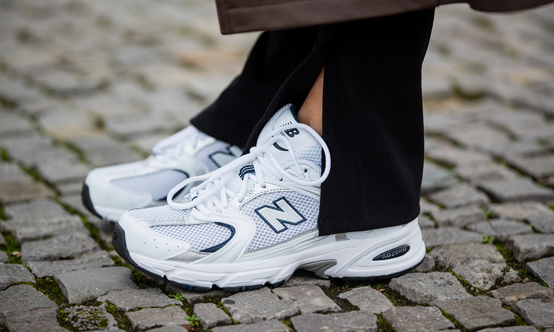 Blancas, impermeables y otras zapatillas que no te quitarás en los próximos meses