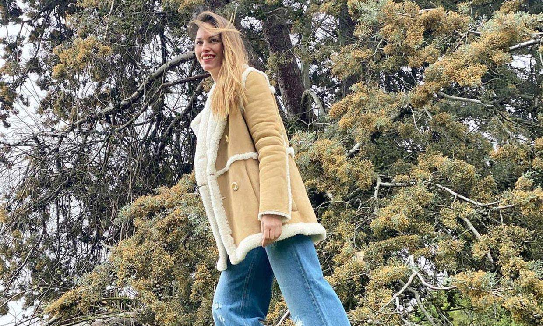 Helen Lindes actualiza la tendencia que conectó a Paula Echevarría con doña Letizia